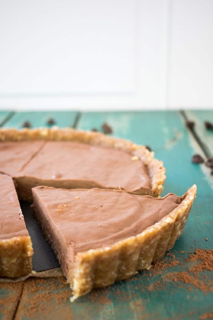 slice of easy vegan no-bake chocolate peanut butter pie plain