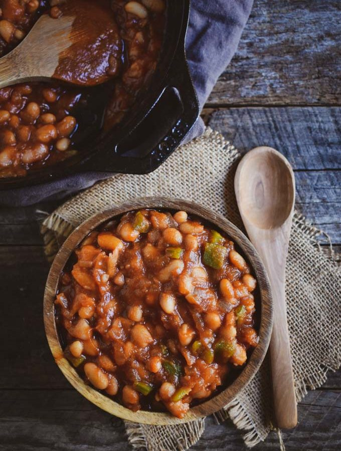 Easy barbecue baked beans.