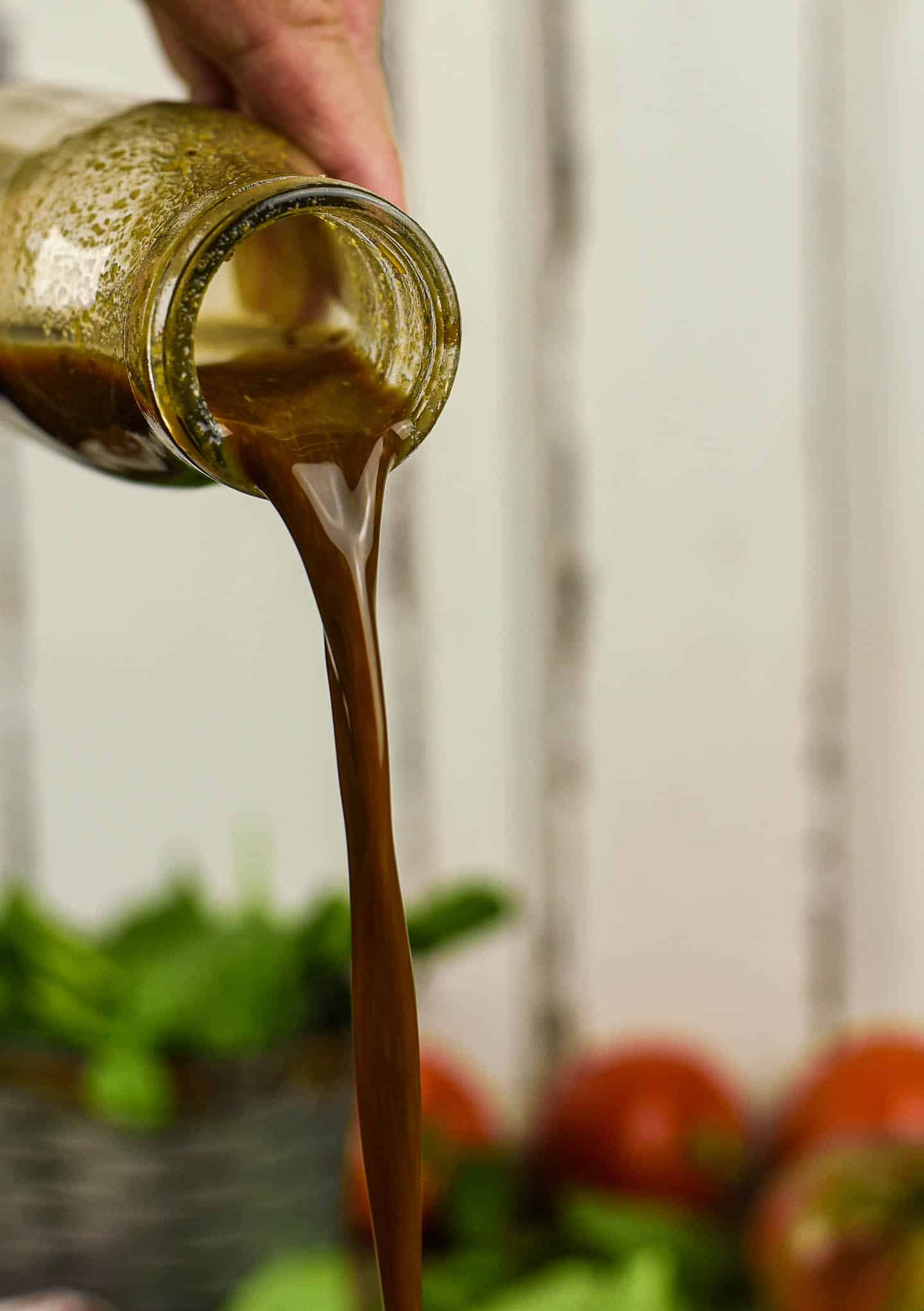 This balsamic Oil free Salad Dressing is so easy to make and ready in less than 2 minutes! Great on salads and pasta.